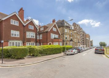 Thumbnail 2 bedroom flat for sale in Grand Avenue, Hove