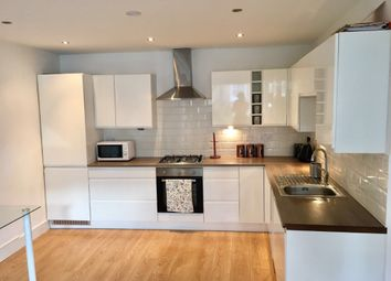 3 bed maisonette to rent in Foxberry Road, London SE4