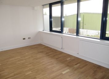 1 bed flat to rent in Olympia House, The Ridgeway, Iver, Bucks SL0