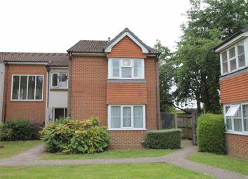 Thumbnail Maisonette to rent in Heatherwood Drive, Hayes, Middlesex
