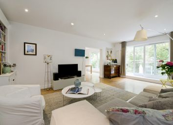 Thumbnail 4 bed flat to rent in Oxford Gardens, London