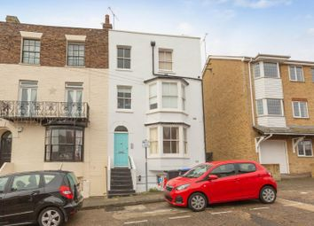 Prospect Road, Broadstairs CT10. 1 bed flat for sale