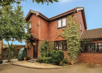 Thumbnail 5 bed detached house to rent in Tudor Crescent, Ilford