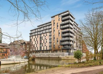Thumbnail 1 bed flat for sale in Kennet House, Reading