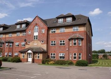 2 bed flat to rent in Henley House, The Spinnakers L19
