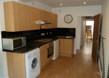 Thumbnail 1 bed flat to rent in High Street, Beckenham, Kent