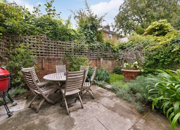 Pembroke Gardens Close, Kensington, London W8