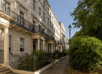 Hartington House, Drummond Gate, London SW1V. 2 bed flat for sale