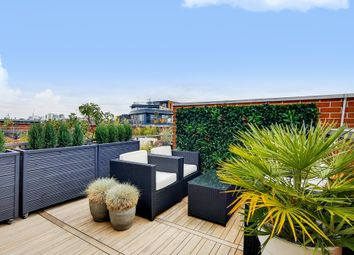 2 bed flat for sale in Tanner Street, London SE1