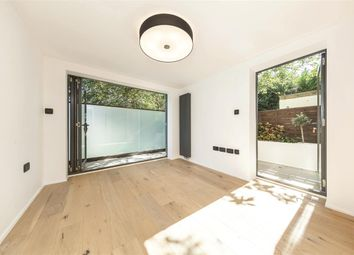 Thumbnail 2 bedroom flat for sale in Hammersmith Grove, London