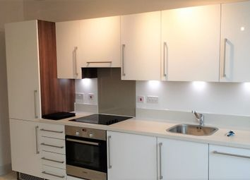 Thumbnail 1 bed flat to rent in 310 Kings Road, Reading, Berkshire