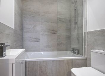 Thumbnail 2 bed flat to rent in Kings Road, Reading, Berkshire