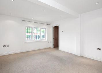 2 bed flat to rent in Rosemount Avenue, West Byfleet, Surrey KT14