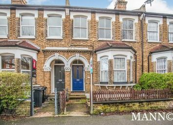 3 bed flat to rent in Wiverton Road, London SE26