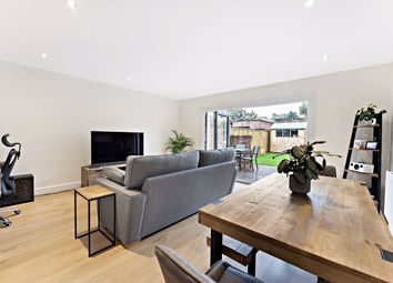 3 bed property for sale in Daysbrook Road, London SW2