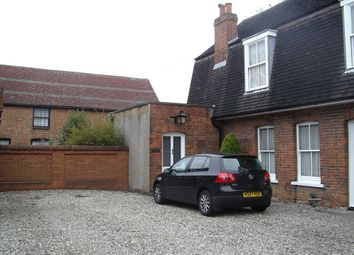 Thumbnail 2 bed cottage to rent in Hemnall Street, Epping