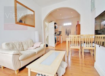 Thumbnail 2 bed flat to rent in Westmoreland Road, London