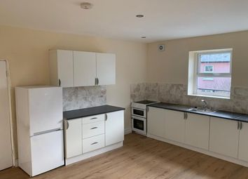 3 bed flat to rent in Oldham Street, Hyde SK14