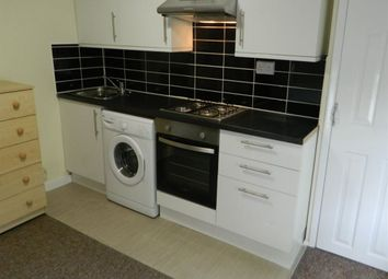 Thumbnail Property to rent in Bedsit, Waylen Street, All Bills Included