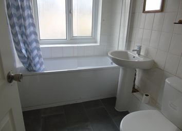 Thumbnail 2 bed detached house to rent in Wellington Road, London