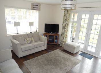 Thumbnail 2 bedroom flat for sale in Scarlett Avenue, Wendover