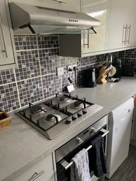 2 bed flat for sale in Farningham Road, Caterham CR3