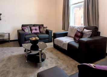 Thumbnail 5 bed flat to rent in Arndale Centre, Otley Road, Headingley, Leeds