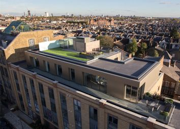 Thumbnail 3 bedroom flat for sale in The Penthouse, Madison Apartments, Wyfold Road, London