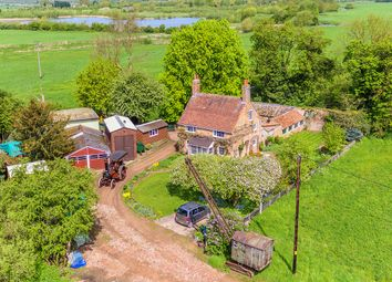 Thumbnail 5 bed detached house for sale in Fairfield Road, Biggleswade