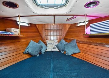 Thumbnail 1 bed houseboat to rent in Rope Street, Canary Wharf