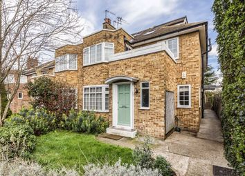 3 bed flat for sale in Bishops Close, Ham, Richmond TW10