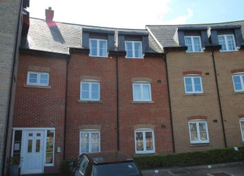 Thumbnail 2 bedroom flat to rent in Strouds Close, Swindon