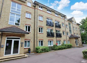 Thumbnail 2 bed flat for sale in Malin Court, Hardings Close, Boxmoor, Hertfordshire