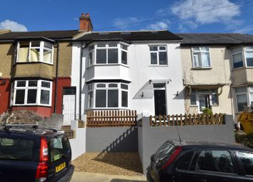 Thumbnail 6 bed terraced house for sale in Kenneth Road, Luton