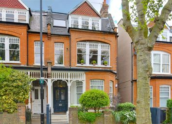 Thumbnail 2 bedroom flat for sale in Kings Avenue, Muswell Hill, London