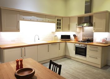Thumbnail 1 bed flat for sale in West Avenue, Bath