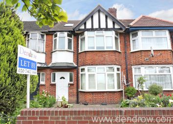 3 bed flat to rent in Western Avenue, London W3