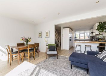 3 bed property for sale in Lochinvar Street, London SW12