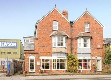Thumbnail 1 bed flat for sale in Newbury, Berkshire