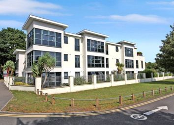Kings Park Drive, Bournemouth BH7. 2 bed flat for sale