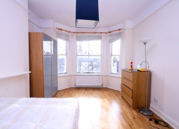 Thumbnail 3 bedroom flat to rent in Cathcart Hill, Archway