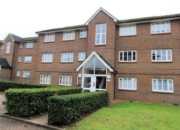 Thumbnail 1 bed flat to rent in Kensington Way, Borehamwood