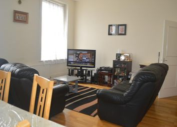 Thumbnail 3 bed flat for sale in High Road, North Finchley, London