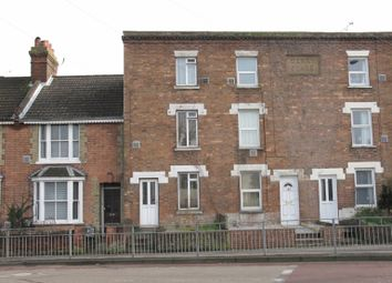 Thumbnail 3 bed town house to rent in Kingsnorth Road, Ashford