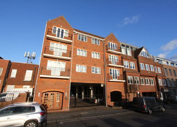 Thumbnail 1 bedroom flat to rent in Station Road, Gerrards Cross
