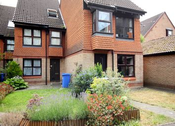 Thumbnail 1 bed maisonette to rent in Hedgerley Court, Horsell, Woking