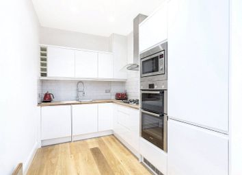 2 bed flat for sale in Southerton Road, London W6