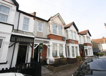 Thumbnail 2 bed flat to rent in Beedell Avenue, Westcliff-On-Sea