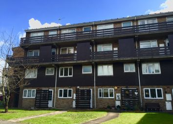2 bed maisonette to rent in Rise Park Parade, Romford RM1
