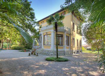 Thumbnail 6 bed villa for sale in Lesa, Novara, Piemonte